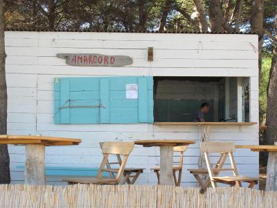 Bar_Amarcord_-_Beach_Saharun_-_Dugi_Otok_10